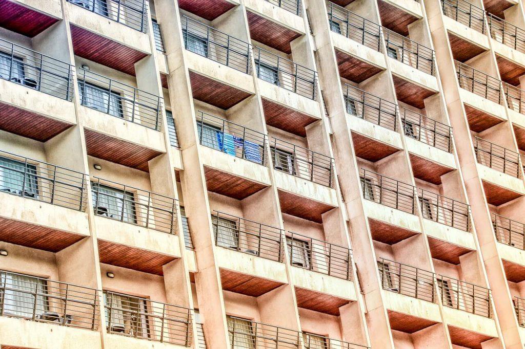 jak zabezpieczyć balkon przed wodą