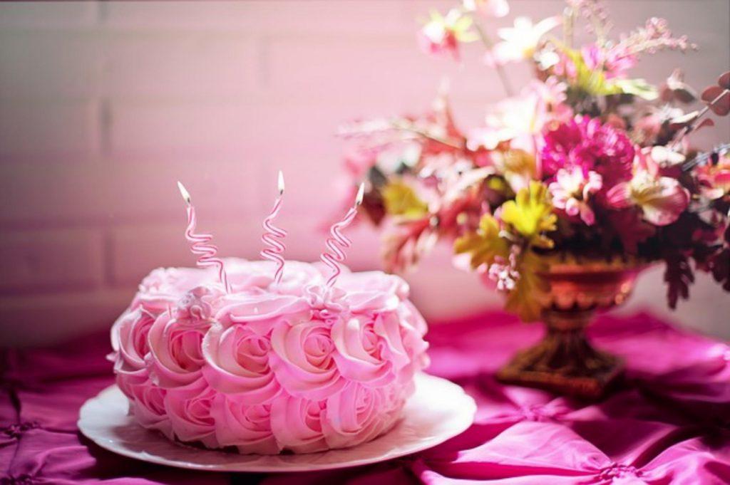 urodzinowy stół