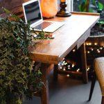 W jaki sposób powinien wyróżniać się stylowo umeblowany domowy gabinet?