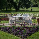 Na co zwrócić uwagę wybierając meble do ogrodu?